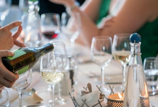 酒桌上的葡萄酒礼仪你知道多少?