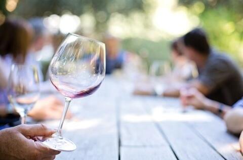 一瓶葡萄酒的陈酿过程