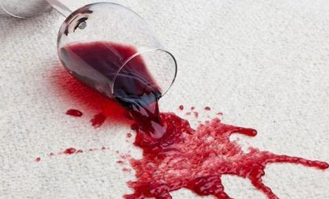 去除红酒污渍的最佳方法是什么?