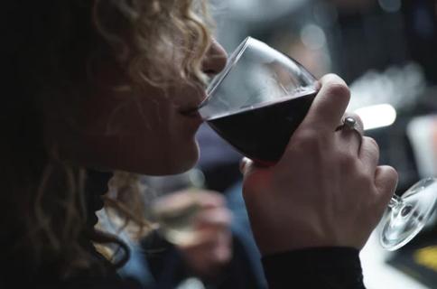 葡萄酒的三级香气是什么?