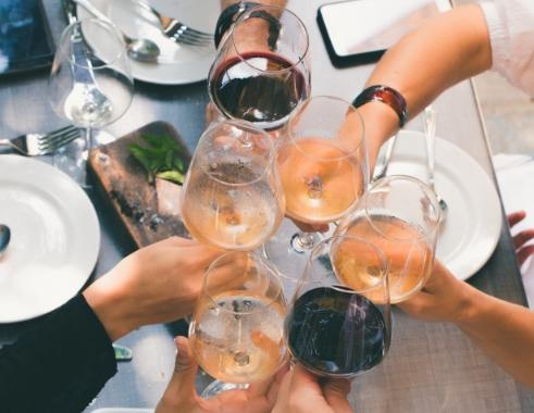 葡萄酒、白兰地和香槟有什么区别