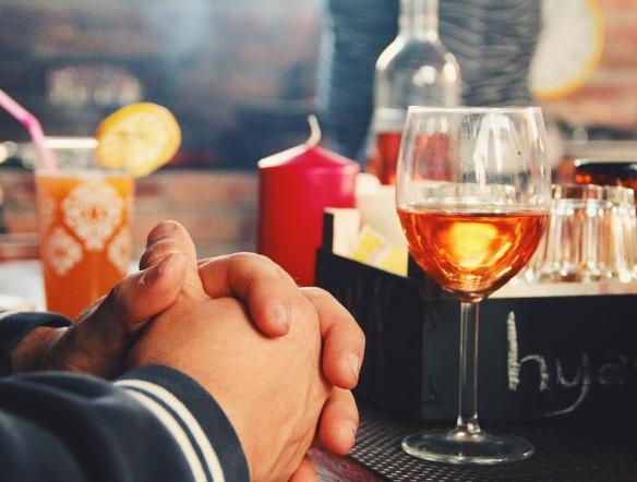 每天喝一杯葡萄酒对健康的好处