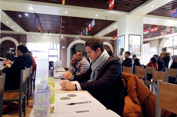 第四届钦州保税港区酒评大赛元旦上演巅峰对决,27款精品美酒脱颖而出