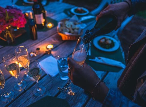 香槟指南:如何像法国人那样喝香槟?