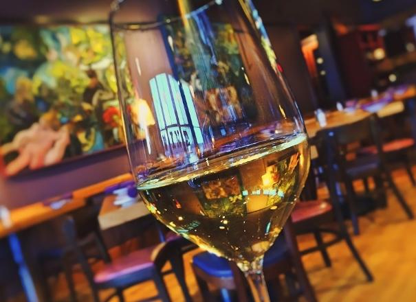喝葡萄酒过量对健康的负面影响