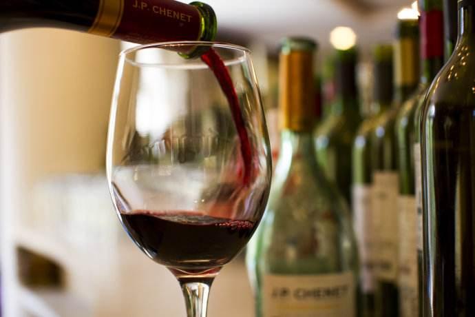 最新研究:适量饮酒能够提升快乐指数