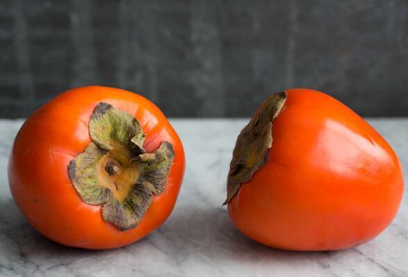 柿子和红酒能一起吃吗?