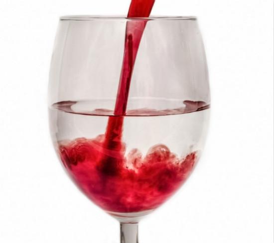 红酒瓶凹槽象征着什么?
