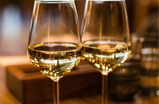 选购香槟酒时需注意些什么呢?