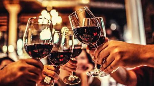 """红酒代理商如何形成""""中国式卖葡萄酒""""?"""