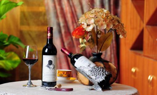 红葡萄酒有哪些效果?