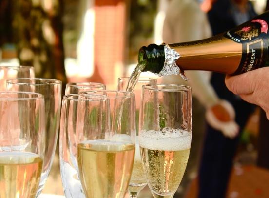 香槟打开之后怎么保存?