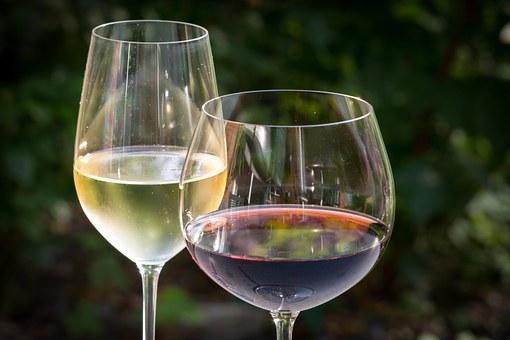 为什么喝葡萄酒会有益于心脏健康呢?