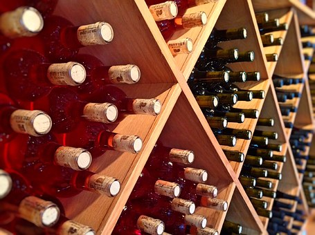 大家知道葡萄酒贮藏的要求是什么吗?