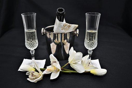 大家知道有沉淀的葡萄酒到底还能不能喝呢?