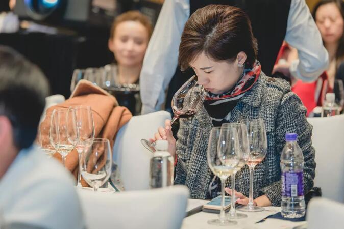 6月29日,TopWine 在魅力青城给你一场艺术范儿的葡萄酒品鉴会!