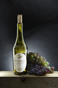 你们是否曾经了解过葡萄酒帮助缓解节后综合症的方法呢?