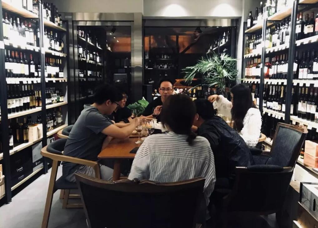 从事葡萄酒销售行业,不要站在专业制高点来唬客户!