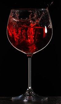 葡萄酒里面的酸到底是有着怎样的作用,其对于人体有害吗?