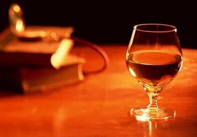 """李佳琦""""带货KOL""""的成功,给葡萄酒行业带来哪些启示?"""