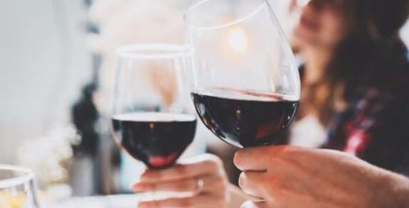 中国葡萄酒消费人群以及散装葡萄酒进口状况报告出炉
