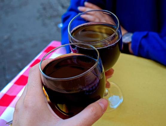 红葡萄酒的7个惊人的健康益处