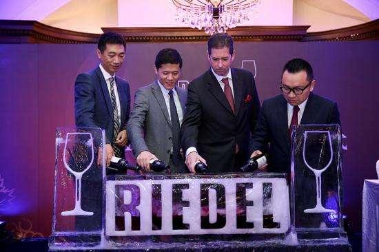酒杯品牌醴铎Riedel公司总裁荣获葡萄酒杂志年度杰出服务奖