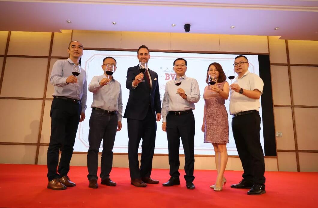 富邑葡萄酒集团与广西钦盛实业建立合作关系