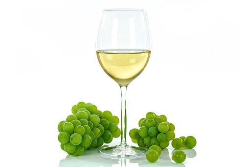 夏季里适合品尝白葡萄酒