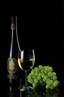 为什么家族聚会里是少不了喝葡萄酒呢?