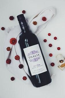 经常去喝干红葡萄酒是一个好习惯吗?