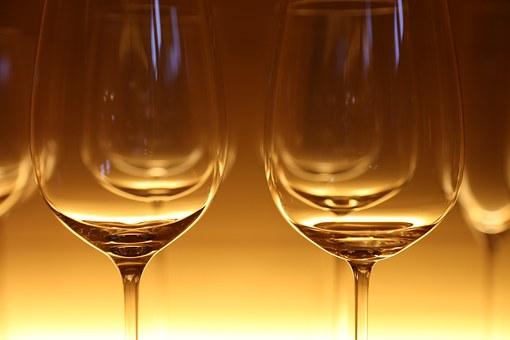 葡萄酒杯是怎样来去分类的?