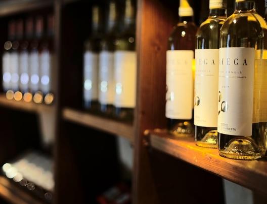 酒柜应该常备的几款流行葡萄酒
