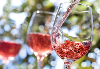 红葡萄酒PS白葡萄酒谁的营养更胜一筹