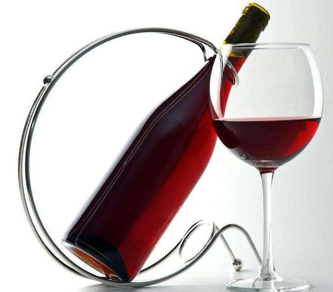 我们对待生活就像对待葡萄酒一样