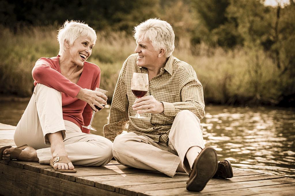 经常饮用红葡萄酒的三大功效有什么呢?
