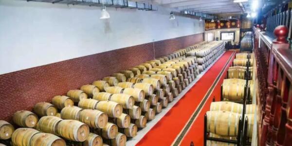 2019年香格里拉葡萄酒整桶认购暨私享晚宴活动日前举行
