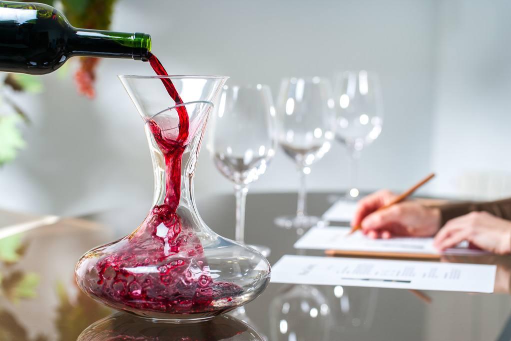 关于葡萄酒的酿造步骤大家了解多少?