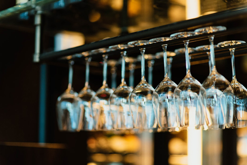 红酒杯一般用多少毫升?