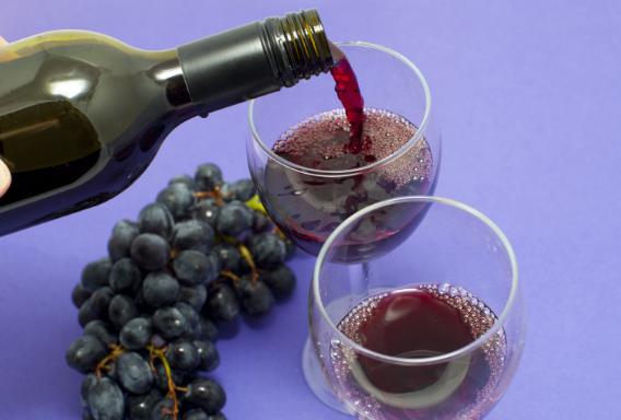 半干红葡萄酒需要醒酒吗?