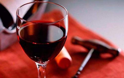 天气炎热 葡萄酒养生要有学问 怎么选择葡萄酒呢
