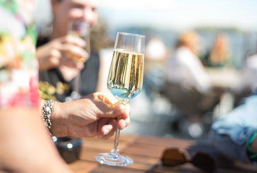 为什么葡萄酒变质和标注保质期是没关系的呢?