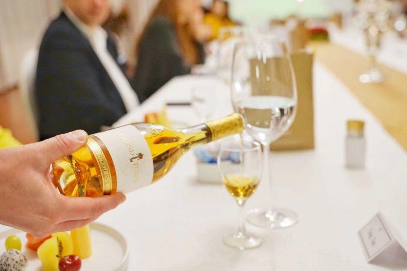 龙凤美酒顾问与匈牙利博大集团建立合作关系
