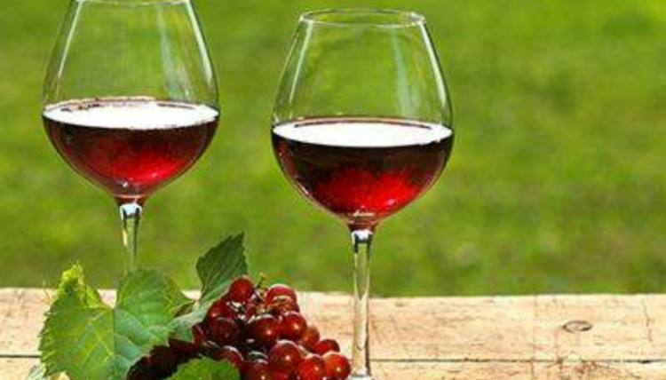 带你走进希格诺城堡干红葡萄酒
