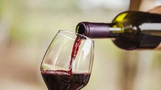 汉堡配葡萄酒好吃吗,汉堡与葡萄酒应该如何搭配呢