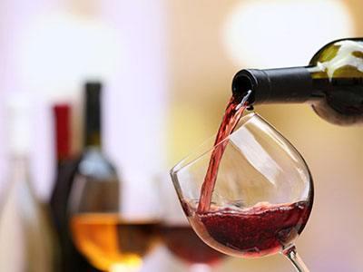 三文鱼怎么配酒好吃,三文鱼配葡萄酒你吃过吗