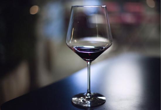 哪些美食更适合葡萄酒?