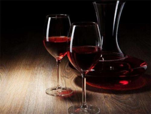 隔夜的葡萄酒还能喝咱们了解多少呢?