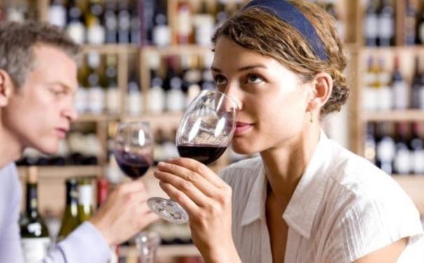 干红葡萄酒怎么喝,有什么讲究
