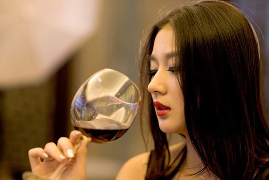 品葡萄酒為什么要像漱口一樣,有哪些理由呢